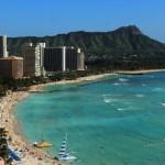 ラッシュガードはハワイで必要?現地調達の方法と値段を解説